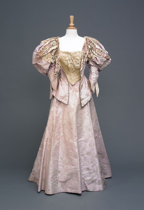 Humber Museums Partnership - Curator's Choice: Madame Clapham Ball Gown